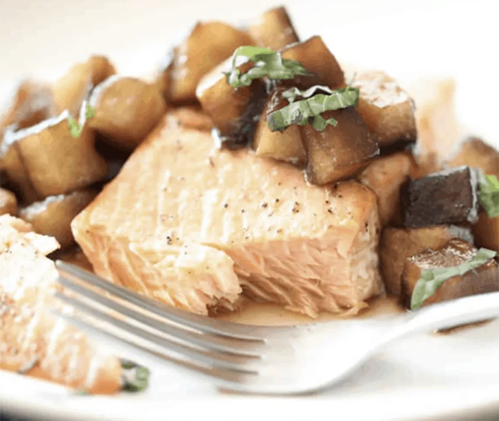 Herb Salmon with Balsamic Apples